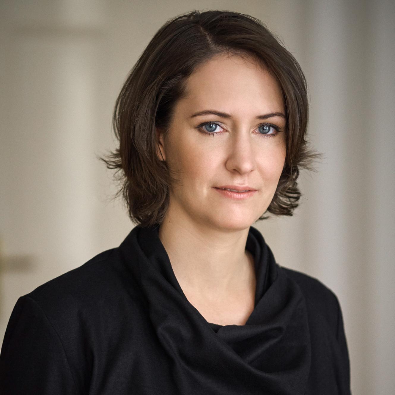 Mag. Claudia Schroll